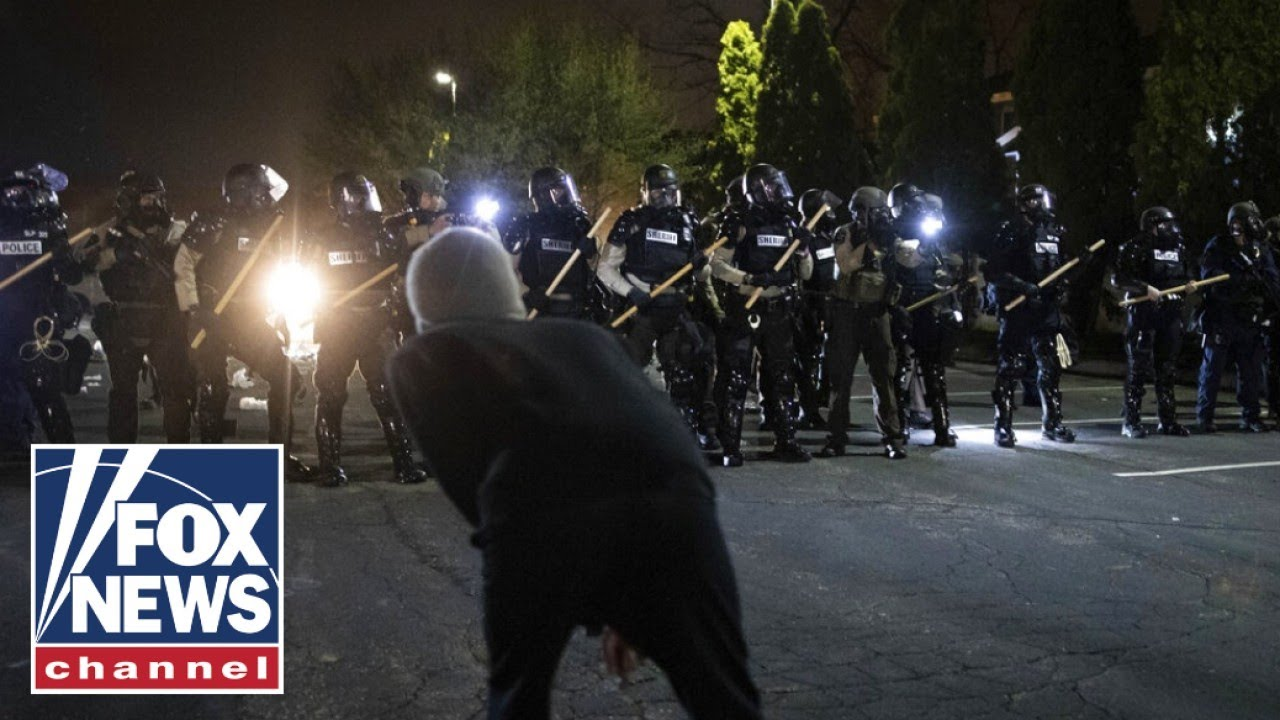 entire-portland-riot-squad-resigns-after-officers-indictment