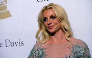 BEVERLY HILLS, CA - FEBRUARY 11: Singer Britney Spears walks the red carpet at the 2017 Pre-GRAMMY Gala and Salute to Industry Icons Honoring Debra Lee at the Beverly Hilton Hotel on February 11, 2017 in Beverly Hills, California.  (Photo by Scott Dudelson / Getty Images)