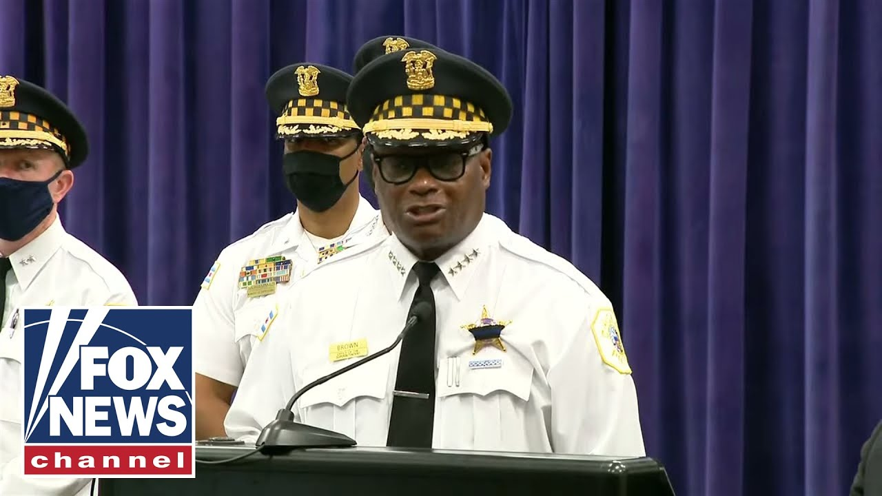 chicago-police-hold-press-conference-after-officer-killed-in-line-of-duty